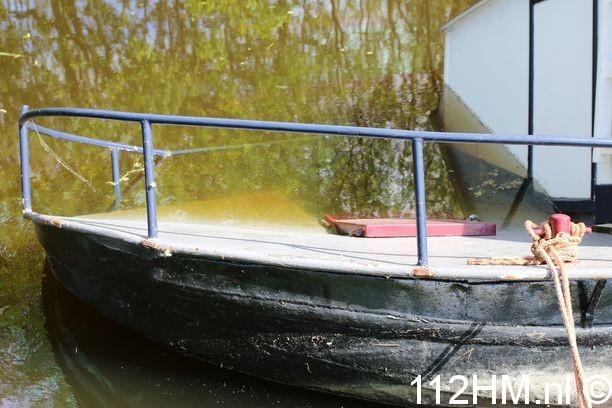Woonboot gezonken (3)