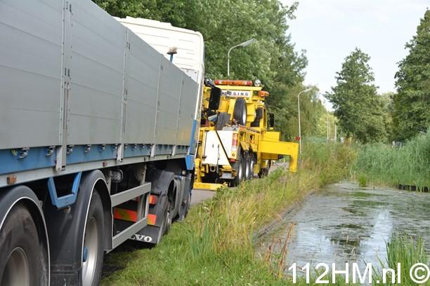 Vrachtwagen weggezakt Voorwillenseweg GDA (4) (Kopie)