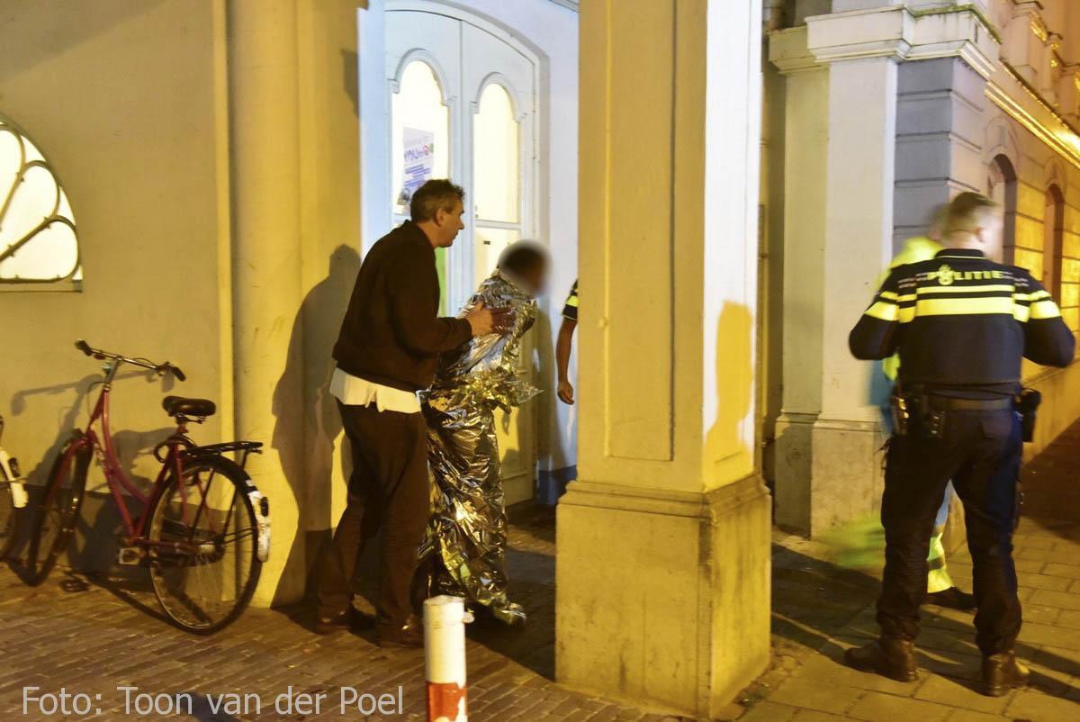 Persoon te water Leiden (4)