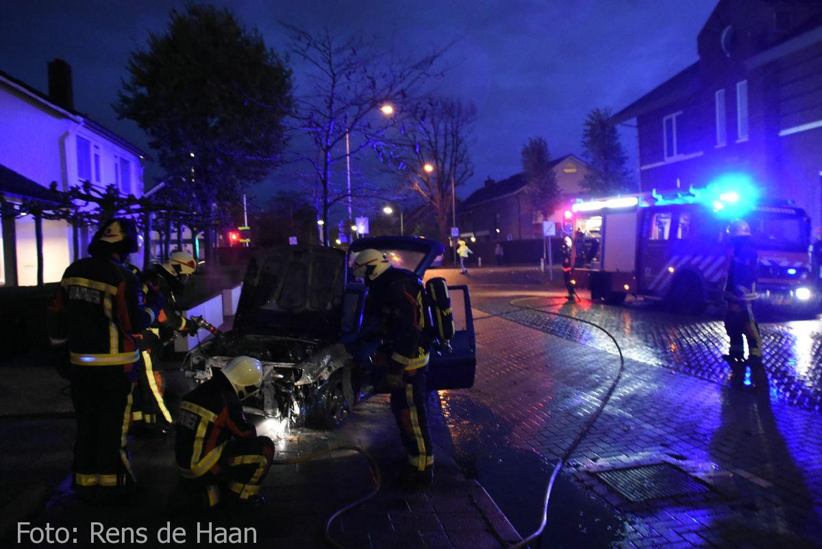 Voertuigbrand Stationsstraat Waddinxveen (12)
