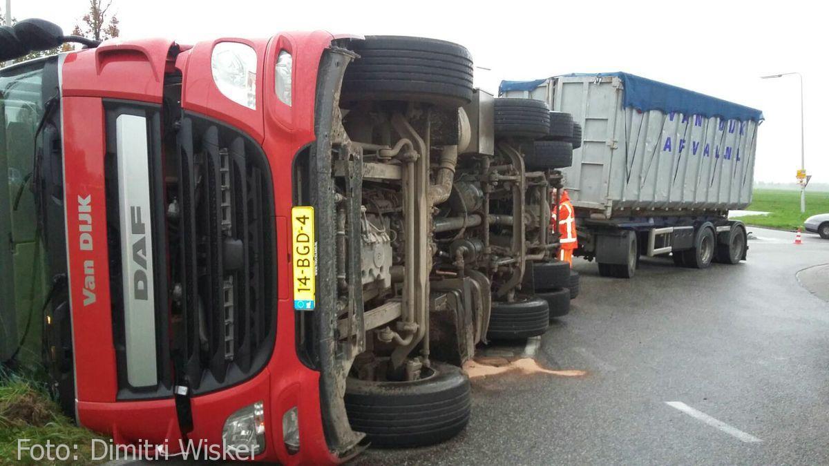 Vrachtwagen gekanteld (12)
