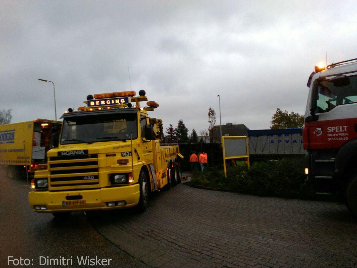 Vrachtwagen gekanteld (18)