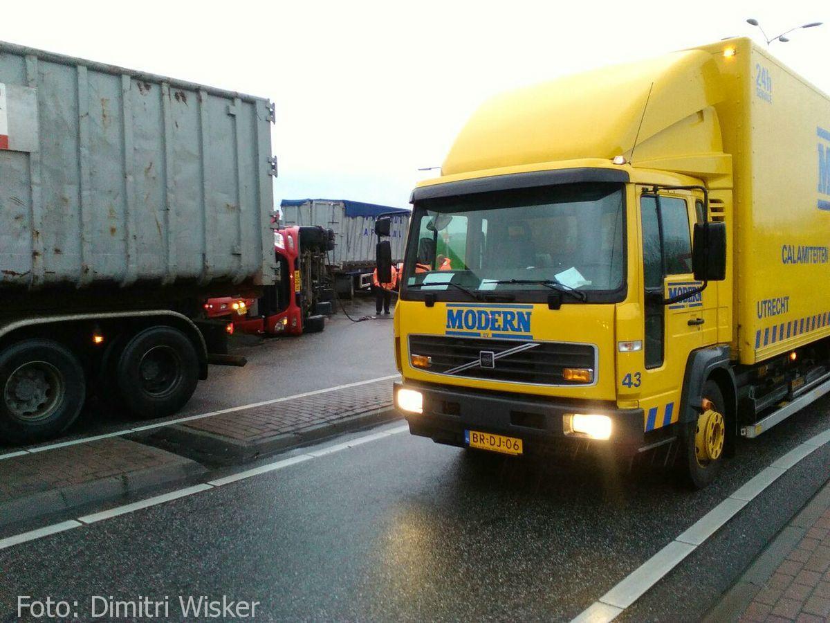 Vrachtwagen gekanteld (19)