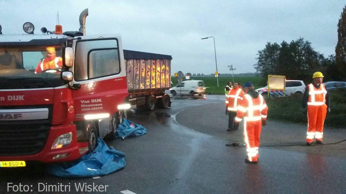 Vrachtwagen gekanteld (28)
