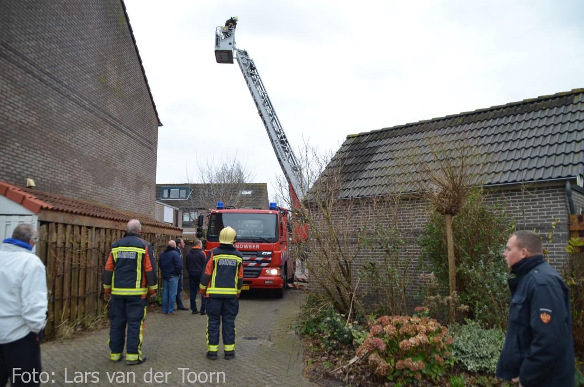 schoorsteenbrand marga klompehoeve wdn 29-11 ^LT (1) [#112hm.nl]