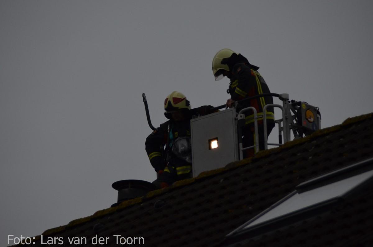 schoorsteenbrand marga klompehoeve wdn 29-11 ^LT (15) [#112hm.nl]