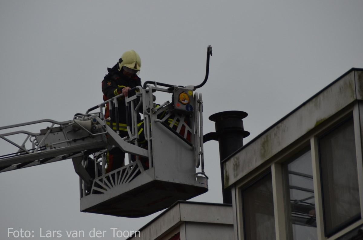 schoorsteenbrand marga klompehoeve wdn 29-11 ^LT (16) [#112hm.nl]