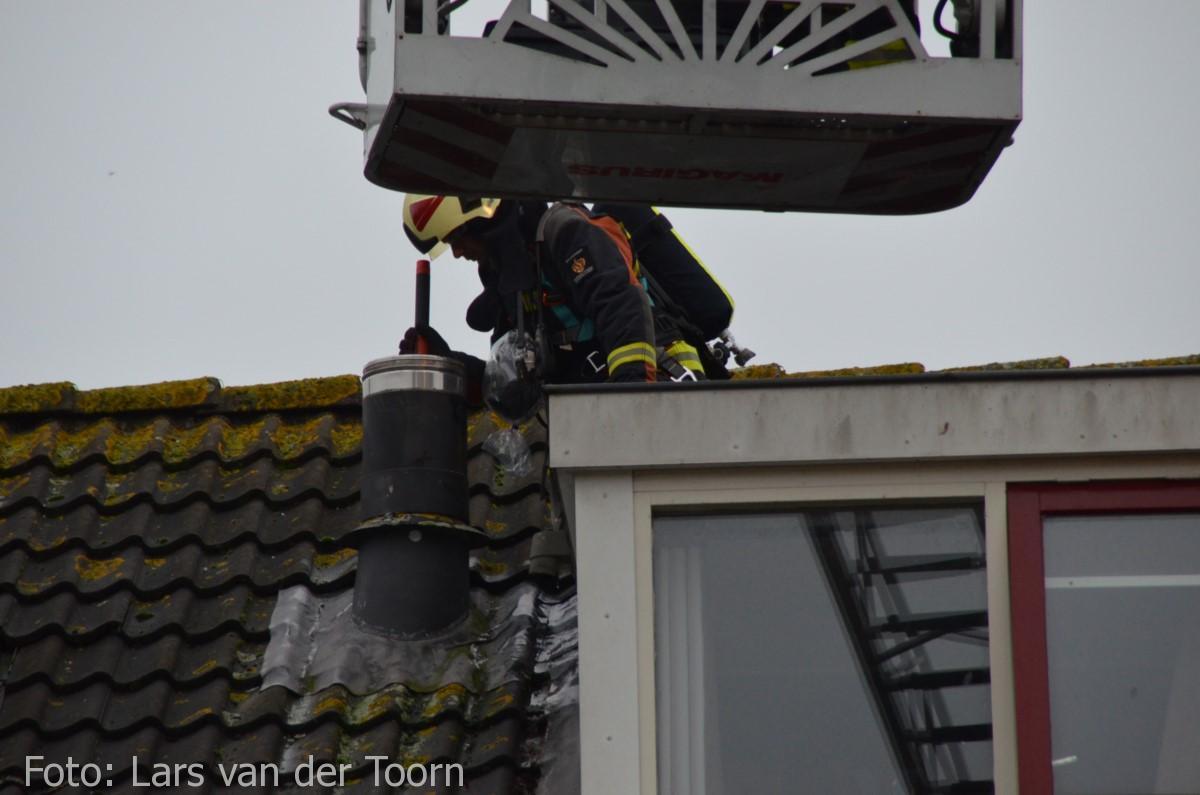 schoorsteenbrand marga klompehoeve wdn 29-11 ^LT (18) [#112hm.nl]