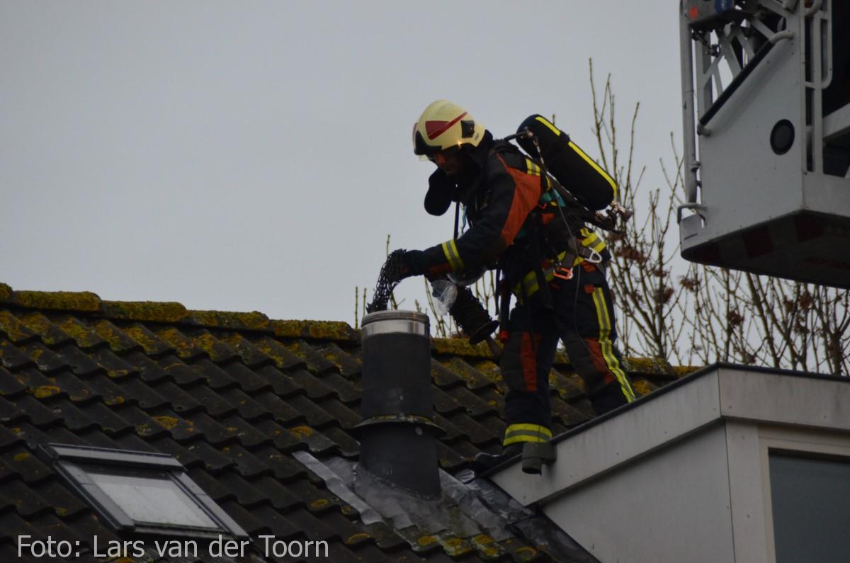 schoorsteenbrand marga klompehoeve wdn 29-11 ^LT (21) [#112hm.nl]