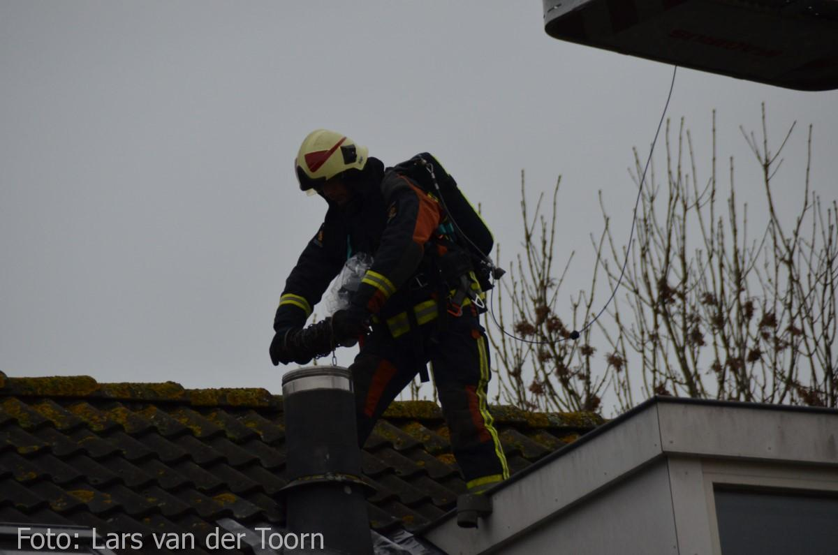 schoorsteenbrand marga klompehoeve wdn 29-11 ^LT (22) [#112hm.nl]