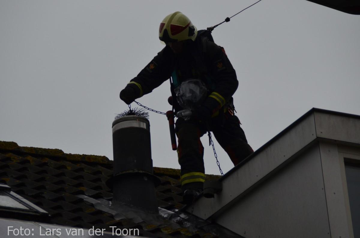 schoorsteenbrand marga klompehoeve wdn 29-11 ^LT (26) [#112hm.nl]