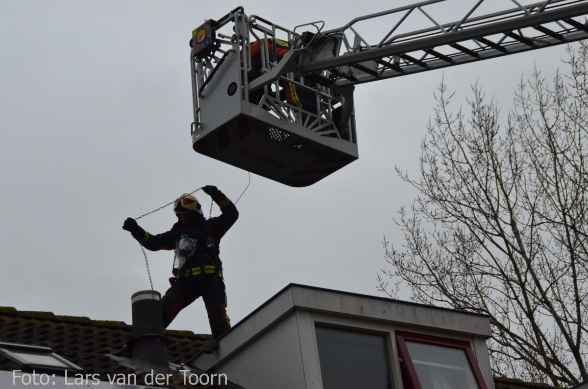 schoorsteenbrand marga klompehoeve wdn 29-11 ^LT (27) [#112hm.nl]