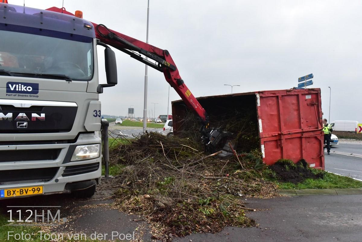 gekantelde vrachtwagen (1)