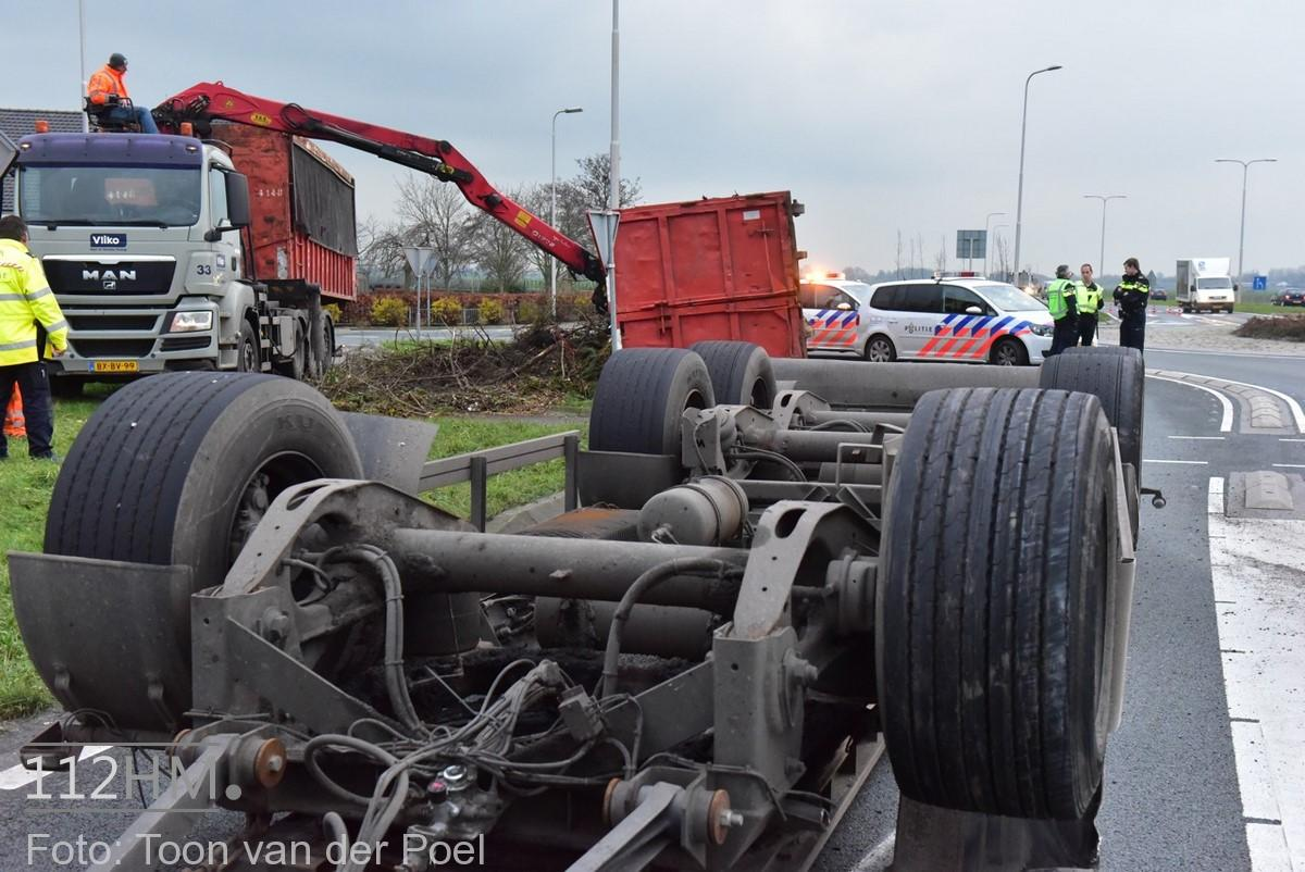 gekantelde vrachtwagen (2)