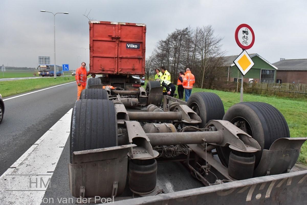 gekantelde vrachtwagen (3)