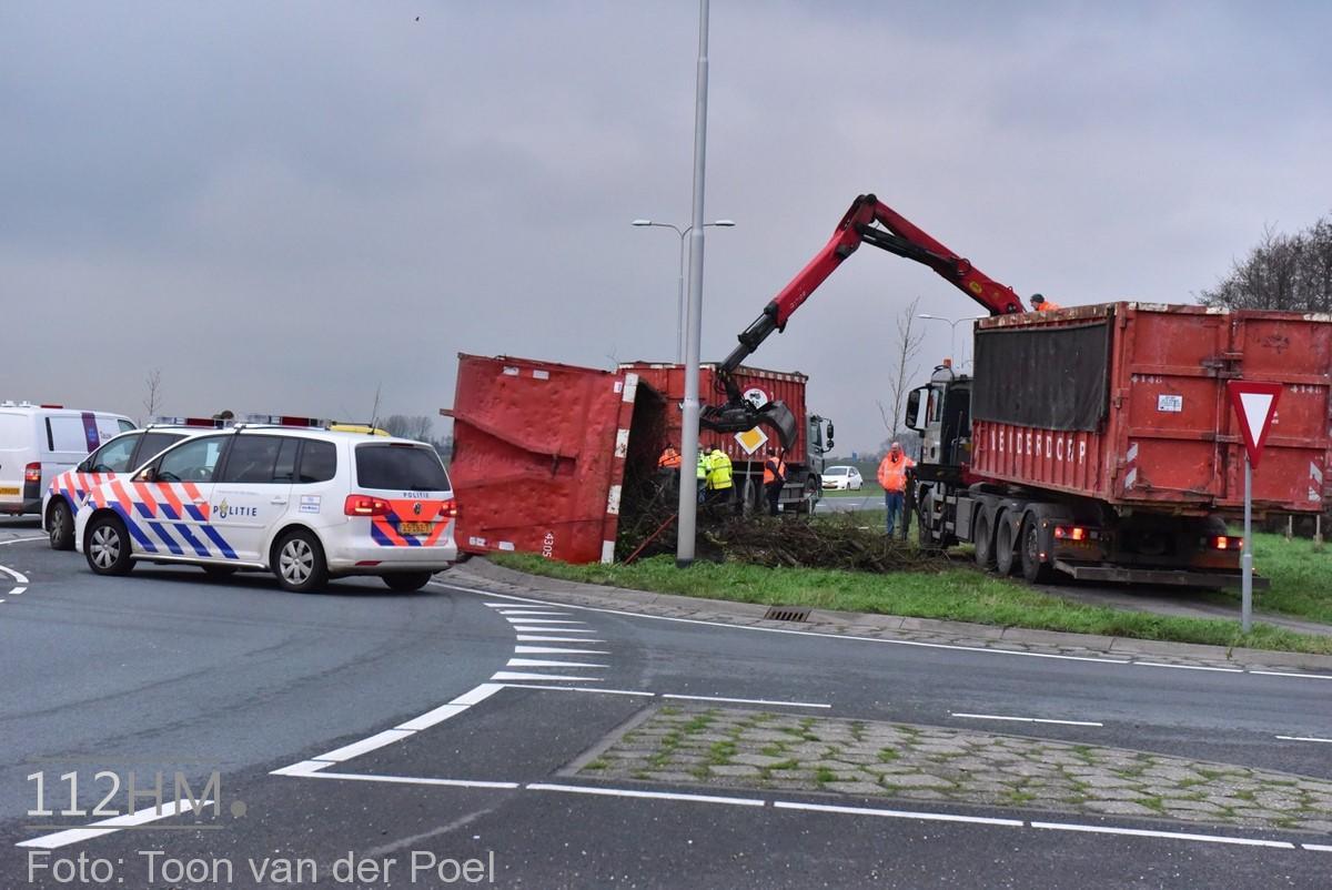 gekantelde vrachtwagen (5)